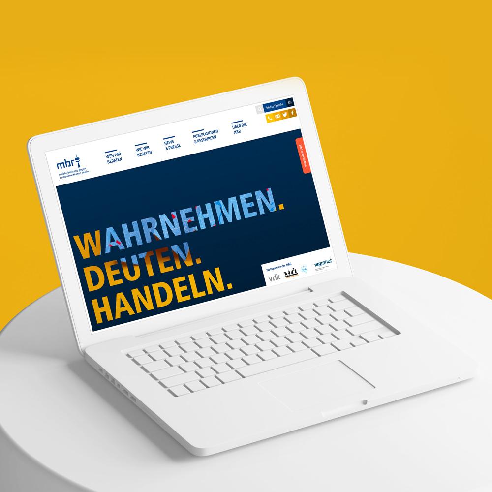 Laptop-webseite-mobile beratung gegen rechts berlin
